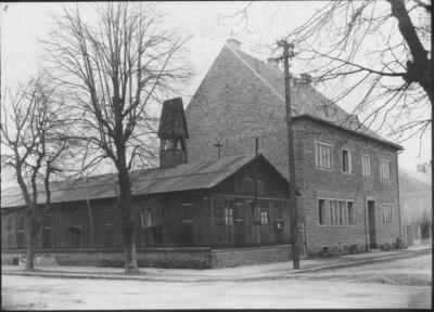 ko-holzkirche_und_pfarrhaus_um_1948